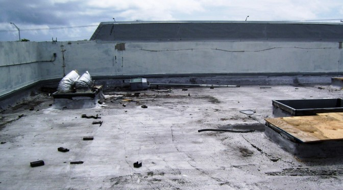 Common flat roofing errors to avoid for Flat roof waterproofing paint
