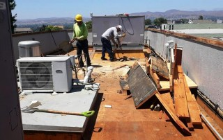 Should-you-repair-or-replace-your-roofr-replace-your-roof