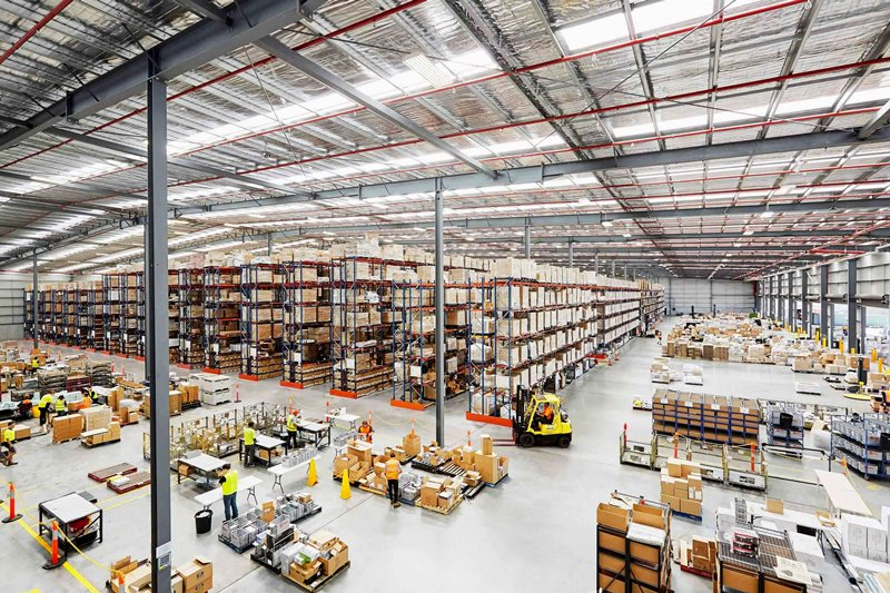 What are the different types of warehouse roofing