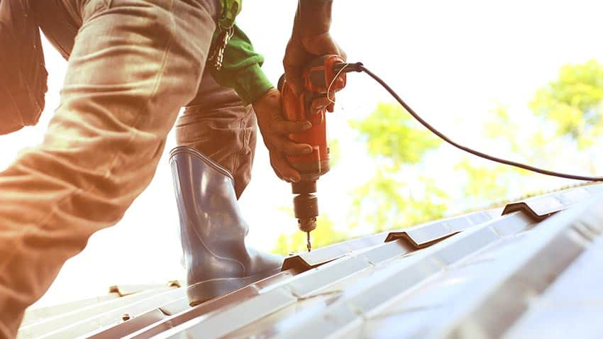 Questions-to-a-roofer-before-hiring